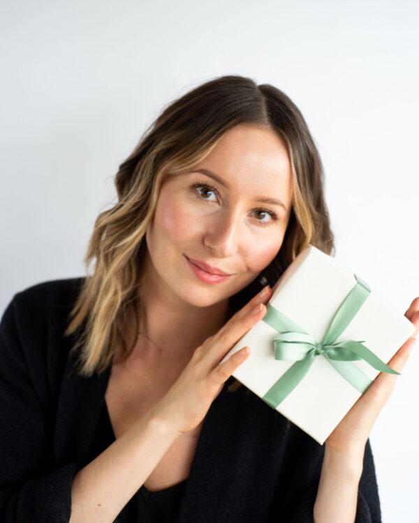 Effortless Makeup for Every Grinch | Kolya Naturals, Canada